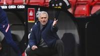 Mourinho Tolak Pemain Premier League Divaksin COVID-19, Kenapa?