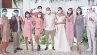 Kalina Oktarani Dilamar Vicky Prasetyo, Penampilannya Seperti Pengantin