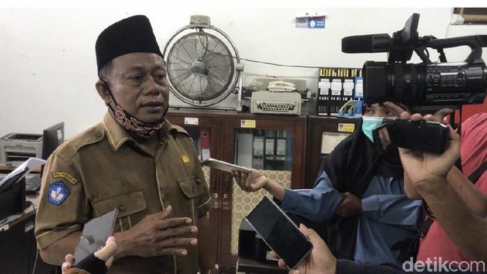 Kepala SMK Negeri 2 Padang, Rusmadi,