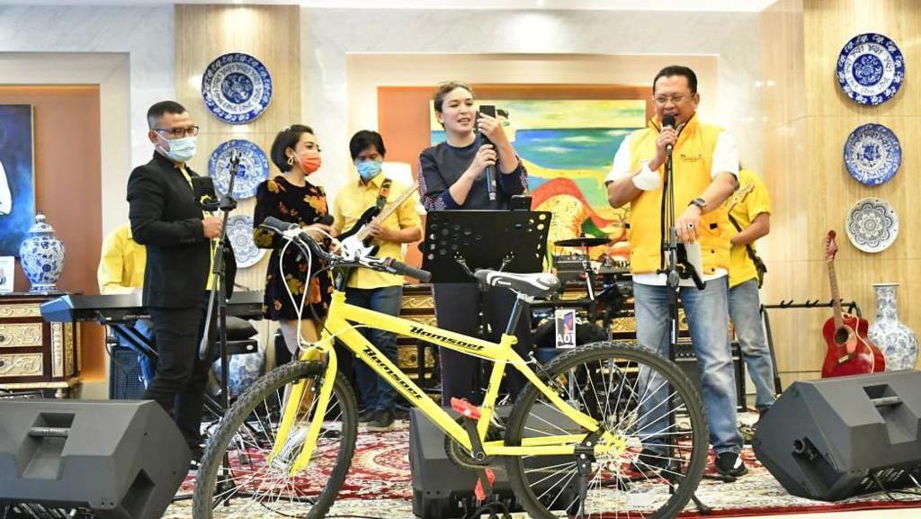 Bamsoet Undi Giveaway Putaran 15, Pemenang Harus Hapal Pancasila
