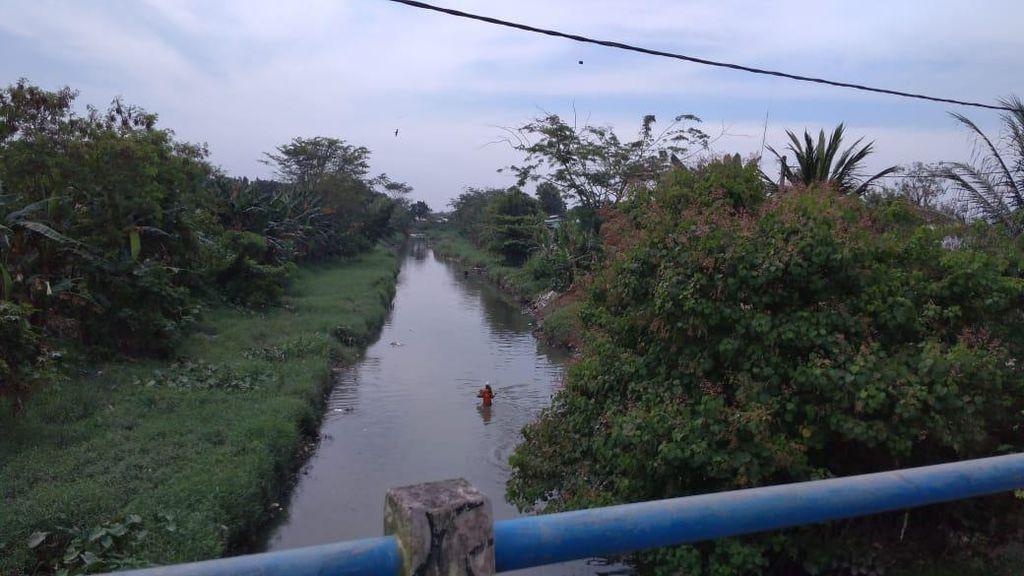 Warga Keluhkan Banyak Sampah di Sungai Bedera di Medan Tiap Selesai Hujan