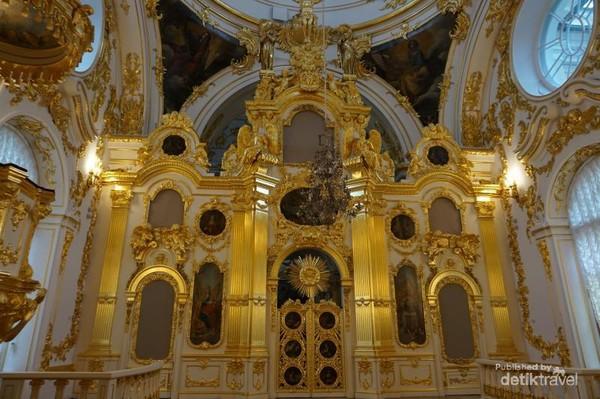 The Great Church, salah satu ruangan yang membuat decak kagum para pengunjung di komplek Winter Palace.