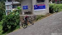 Menaklukkan Tanjakan Cijengkol yang Ekstrem di Lembang