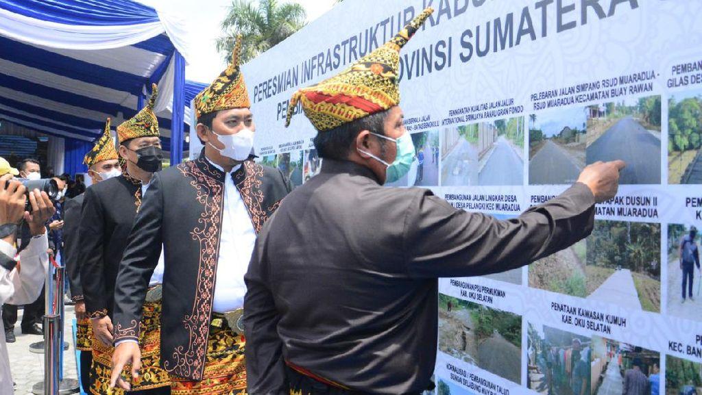 HUT ke-17, Kabupaten OKU Selatan Resmikan Infrastruktur Jalan