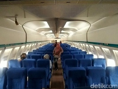 Unik! Ada Pesawat yang Dirombak Jadi Kafe Lho di Ciamis