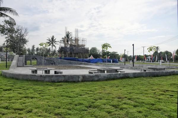 Alun-alun Paamprokan bisa dimanfaatkan oleh masyarakat sebagai ruang budaya, ekonomi, dan interaksi sehingga bisa meningkatkan kebahagiaan masyarakat.