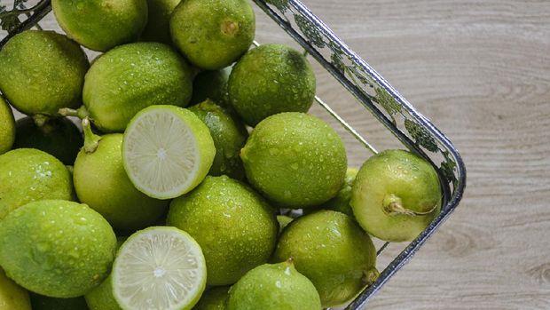 Natural fresh ripe lime or in indonesia called jeruk nipis