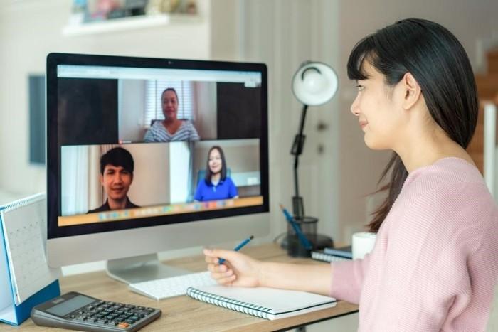 Ilustrasi Meeting Online