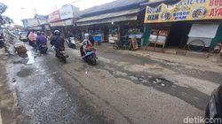 Warga Minta Jl Raya Pabuaran Kabupaten Bogor yang Rusak Segera Diperbaiki