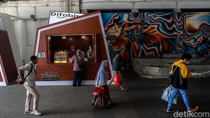 Terowongan Kendal di kawasan Jakarta Pusat, dimanfaatkan untuk para penyandang disabilitas membuka kedai. Seperti apa?