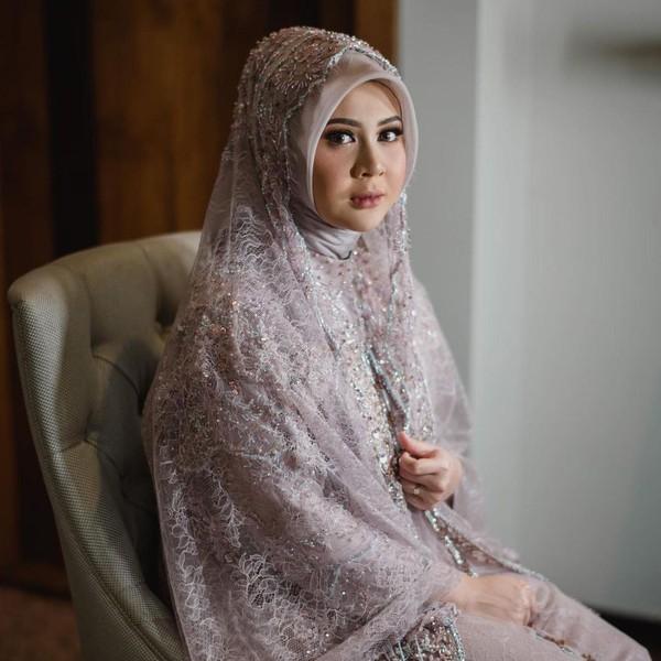 8 Gaya Hijab Kesha Ratuliu Saat Pengajian Jelang Pernikahan
