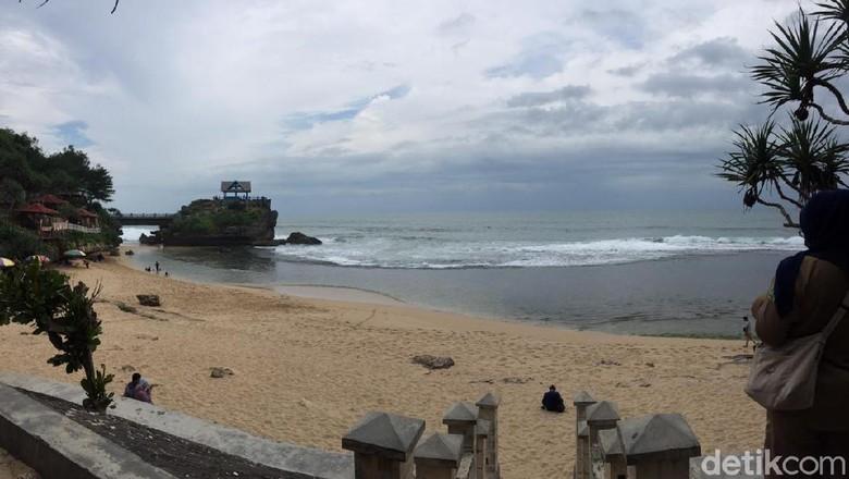 Peluncuran tiket elektronik di Pantai Baron, Selasa (26/1/2021).