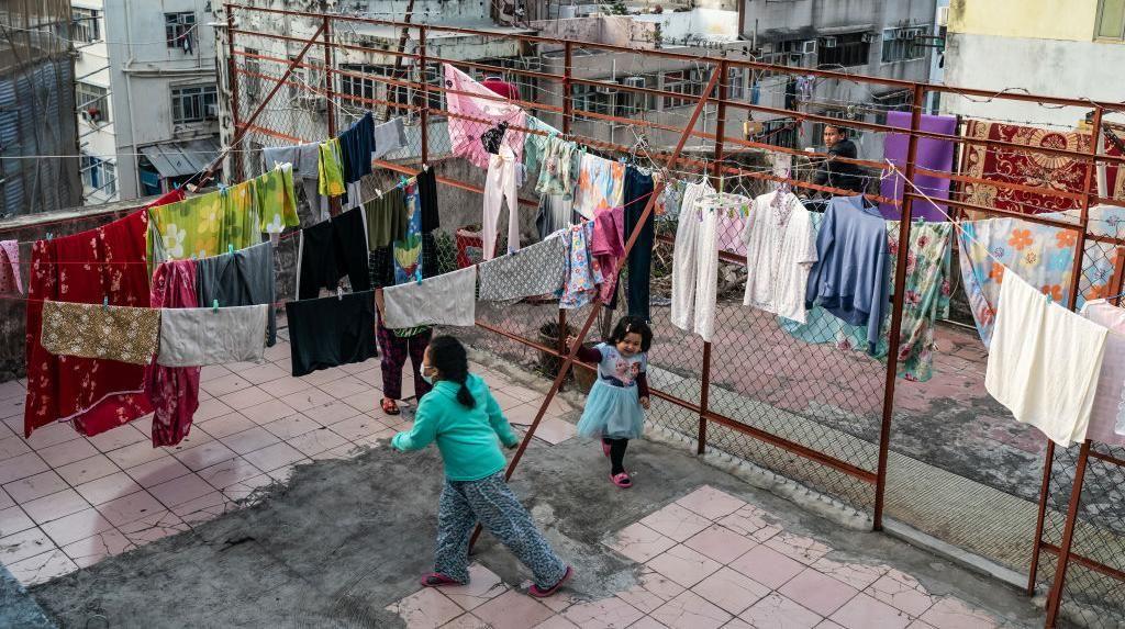 Potret Pemukiman Padat di Hong Kong