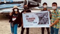 Raffi Ahmad Salurkan Bantuan ke Kalsel Pakai Jet Pribadi