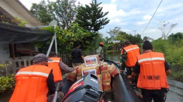 TNI AU angkut 17 ton bantuan berupa sembako dan tenda darurat untuk korban gempa Sulbar dan banjir Kalsel (dok Dispenau)
