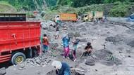 Usai Banjir Lahar Merapi, Warga Ramai-ramai Datangi Sungai Woro Klaten