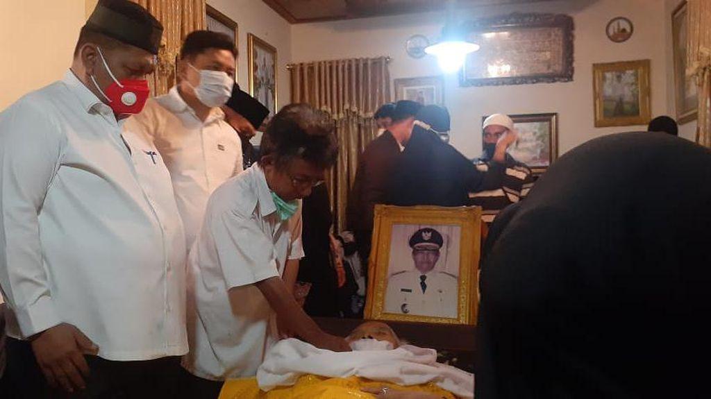 Eks Gubernur Sulteng Aminuddin Ponulele Meninggal Dunia