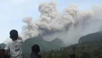 Gunung Merapi Erupsi Besar, Awan Panas Muncul