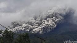 Gunung Merapi Erupsi Besar, BMKG: Abu Vulkanik Mengarah ke Barat Laut