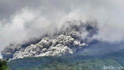 Gunung Merapi Luncurkan 46 Kali Guguran Lava Pijar dalam 12 Jam