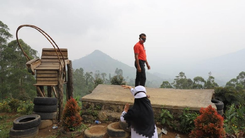 Gunung Piramid Garut