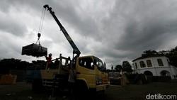 Pembangunan RS darurat COVID-19 di kawasan Benteng Vastenburg, Solo, hampir rampung. Rumah sakit itu pun bakal segera dioperasikan.