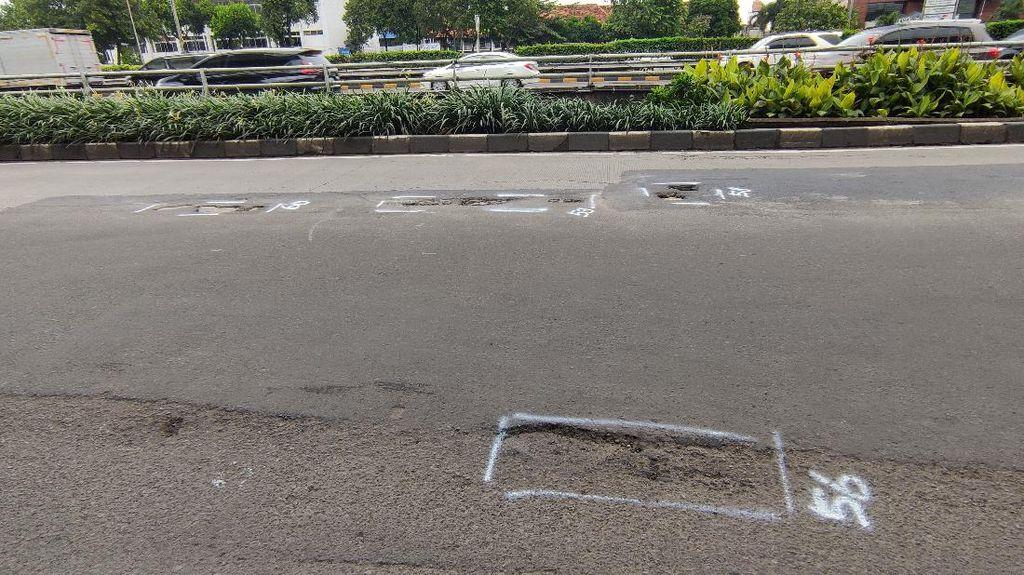 Jalan MT Haryono Arah Gatsu Masih Bopeng-bopeng, Begini Kondisinya