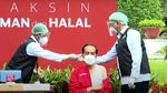 Foto: Vaksinasi Kedua, Jokowi Pakai Kaos Kutang Doang