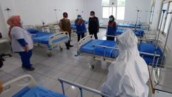 Pemkot Bogor menyediakan Rumah Sakit Lapangan (RSL) di GOR Pajajaran, Kecamatan Tanah Sareal. RSL ini untuk mengantisipasi lonjakan pasien COVID-19.
