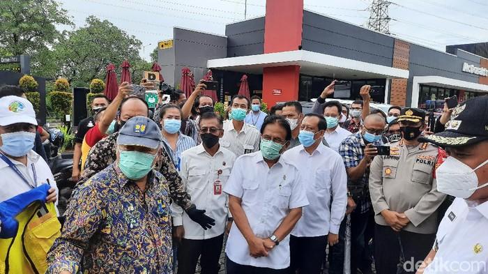 Menteri ATR/BPN dan Menteri PUPR sambangi perumahan Grand Kota Bintang Bekasi untuk mengecek pemanfaatan tata ruang.