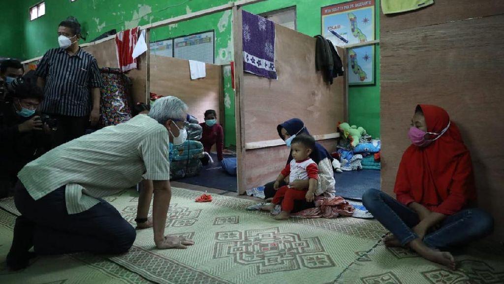 Gunung Merapi Erupsi, Ganjar: Pengungsi Jateng Terjaga & Terkontrol