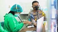 Polisi Jombang Kawal Vaksinasi COVID-19 Serentak di 47 Titik