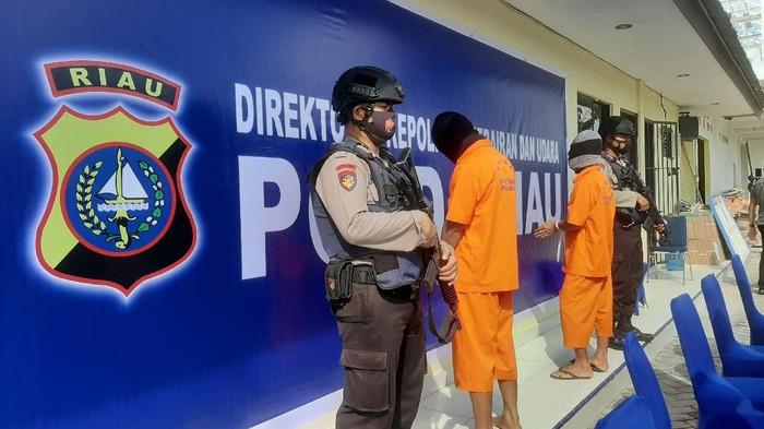 Polisi tangkap 2 perompak kapal asing di Pekanbaru
