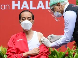 Asal-usul Singlet, Baju Andalan Jokowi saat Suntik Vaksin Kedua