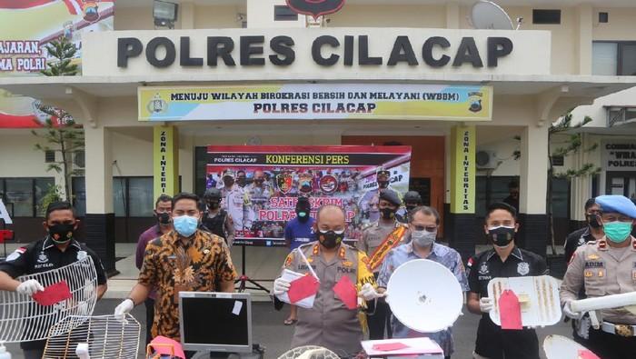 Rilis kasus pencurian jaringan internet ilegal di Cilacap
