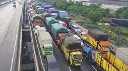 Ruas Tol Surabaya-Gempol Longsor, Kemacetan Mengular hingga 6 Km