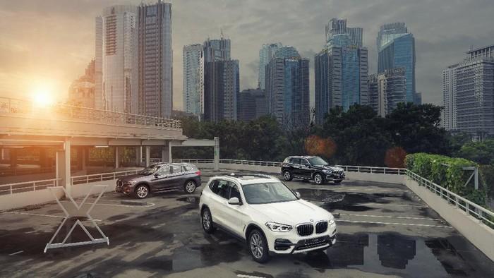 BMW luncurkan 3 seri X.