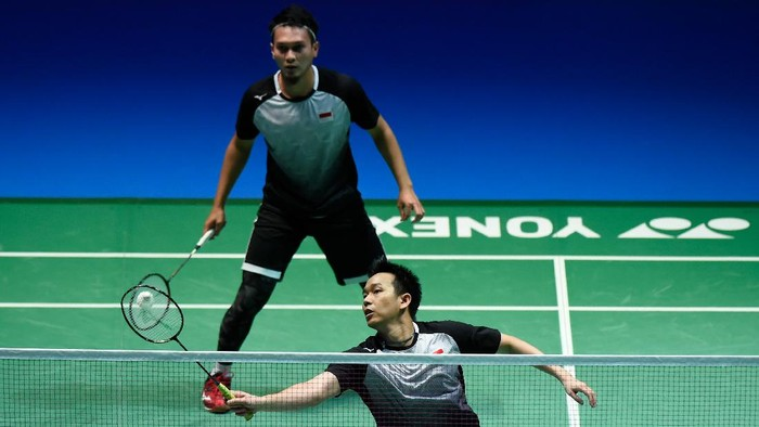 CHOFU, JAPAN - JULY 27: Mohammad Ahsan and Hendra Setiawan of Indonesia competes in the Mens Doubles semifinal match against Takeshi Kamura and Keigo Sonoda of Japan on day five of the Daihatsu Yonex Japan Open Badminton Championships, Tokyo 2020 Olympic Games test event at Musashino Forest Sport Plaza on July 27, 2019 in Chofu, Tokyo, Japan. (Photo by Matt Roberts/Getty Images)