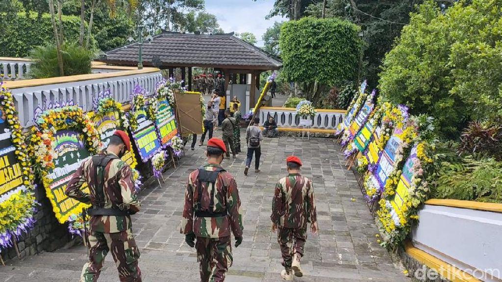 Wismoyo Arismunandar Meninggal, Luhut Kirim Karangan Bunga ke Giribangun