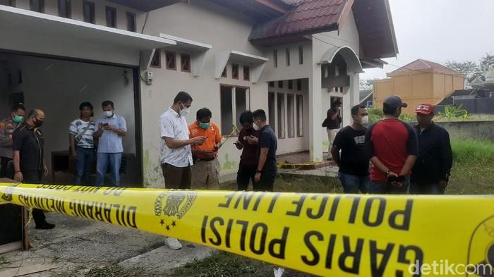 Lokasi ditemukannya mayat terbakar di Pekanbaru (Raja Adil/detikcom)