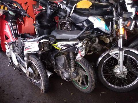 Mobil yang disopiri bocah 13 tahun menabrak enam motor hingga satu pemotor tewas di Bantul, Kamis (28/1/2021).