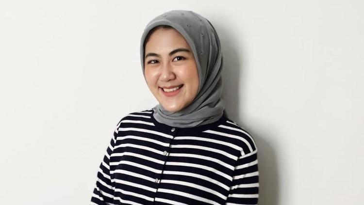 Nadia Amalia, Chat Alia