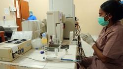 Rumah Sakit Umum Daerah (RSUD) Youwari, Sentani, Jayapura kini memiliki Laboratorium Real-Time Polymerase Chain Reaction (RT-PCR) COVID-19 untuk penanganan.