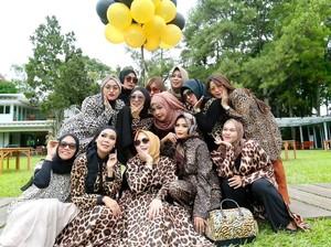 Terpopuler Sepekan: Viral Grup Arisan Ibu-ibu Sosialita Pakai Baju Macan