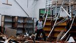 Gegera Angin Kencang, Atap Sekolah di Banten Ini Ambruk