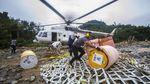 Suku Dayak Meratus Korban Banjir Kalsel Dipasok Logistik Lewat Udara