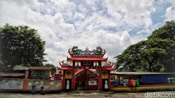 Salah satu klenteng tertua di Jakarta itu berada di kawasan Ancol, Jakarta Utara.