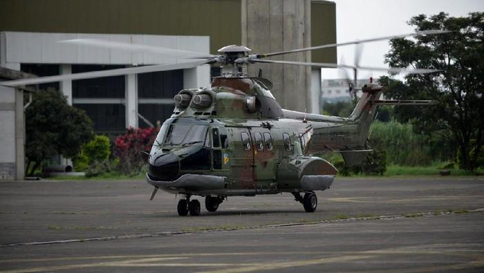PT Dirgantara Indonesia (Persero) atau PTDI baru saja kirim (ferry flight) 1 unit Helikopter Super Puma NAS332 C1+ pesanan Kemenhan. Seperti apa penampakannya?