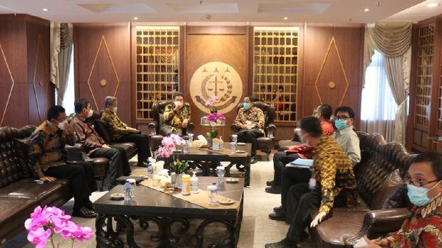 Pertemuan Jaksa Agung ST Burhanuddin dengan Kepala PPATK Dian Ediana Rae, Jumat (29/1/2021).