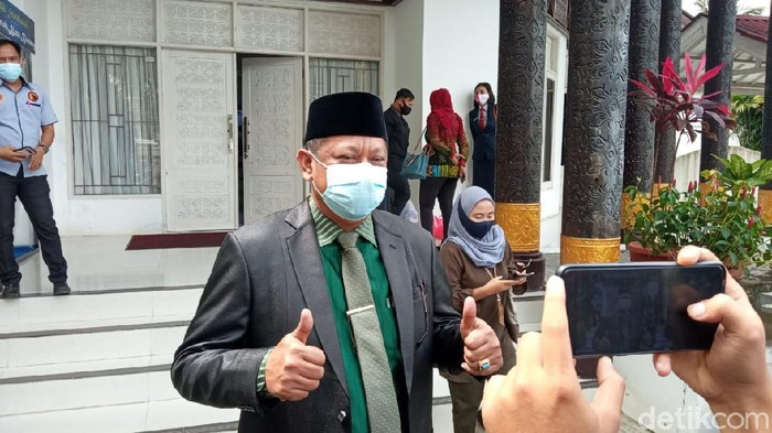 Wali Kota Bontang terpilih Basri Rase (Budi/detikcom)
